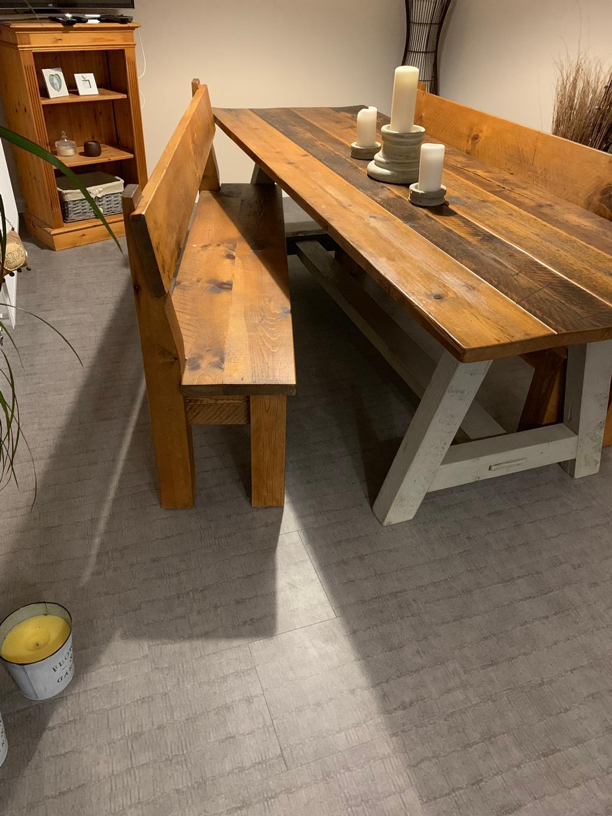 Large bespoke dining table and benches in GL9 Lydney für 9,9 ...
