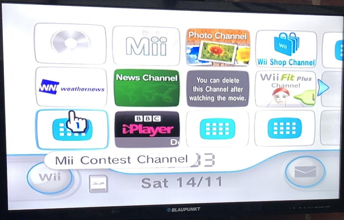 Black Wii sports resort pack with sports games Zumba fitness with belt Wii fit plus board