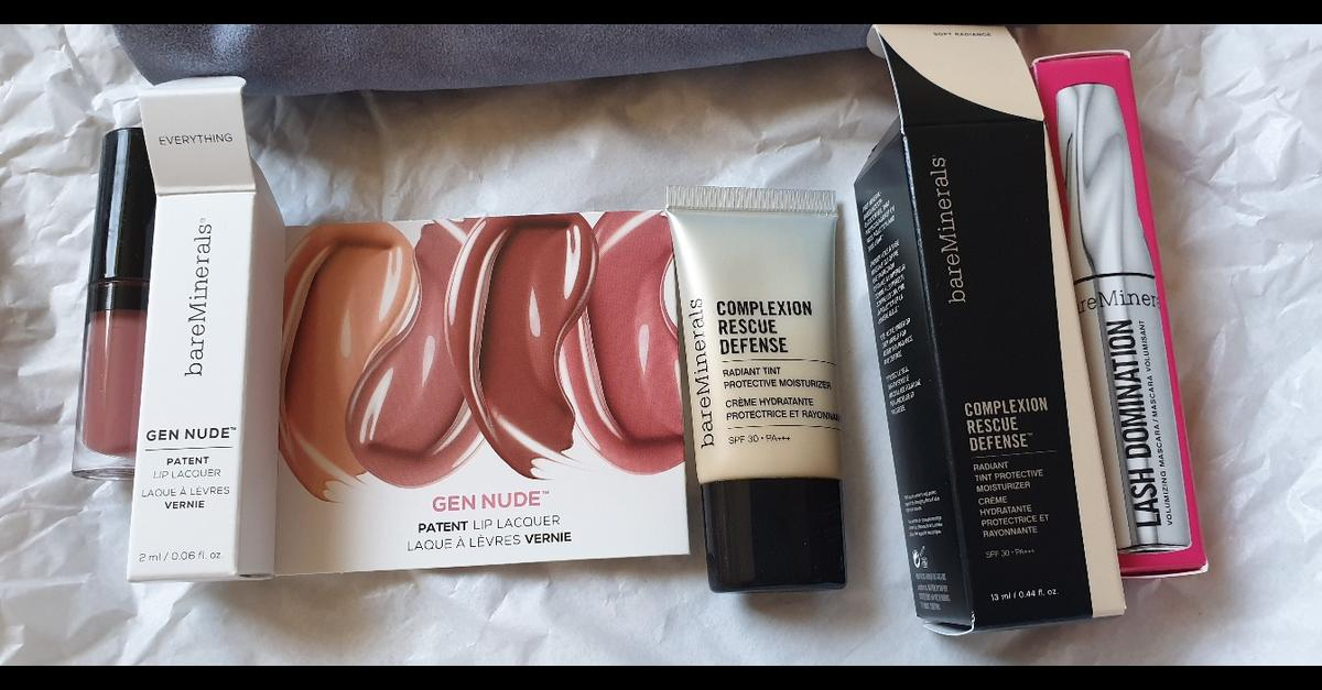 New travel size lip gloss, mascara and complxion rescue defence, comes with a bag collection from penkhull