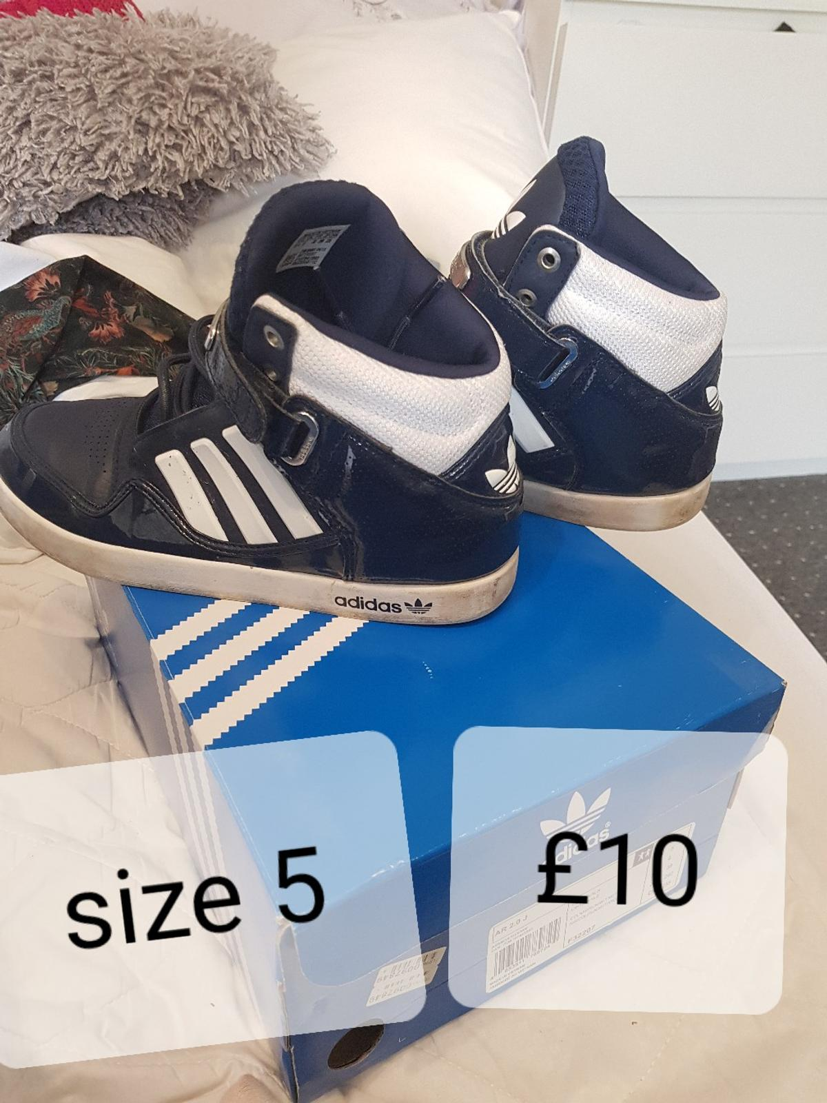 size 5 good condition