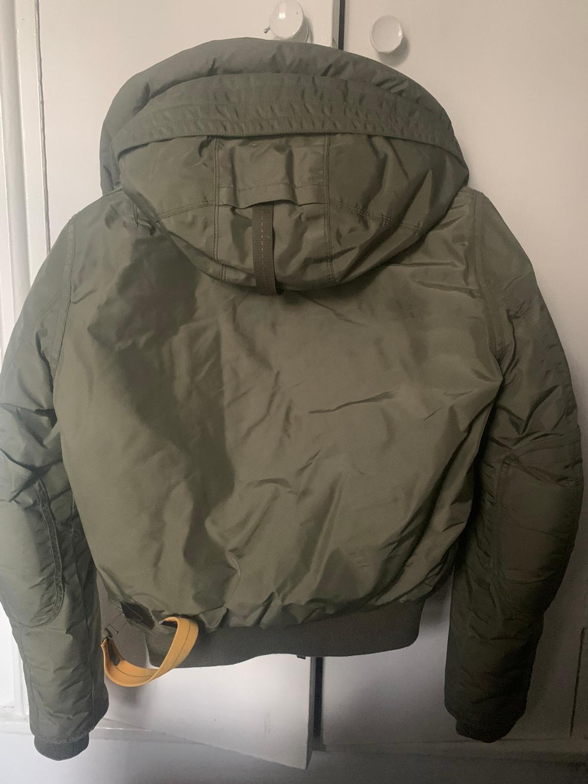 Parajumper Khaki Green Gobi Base Coat Size medium women's (will fit around a size 10) Only had for a year, is in perfect condition Authenticity check is available upon request Retail price is now £610 ***OPEN TO OFFERS***