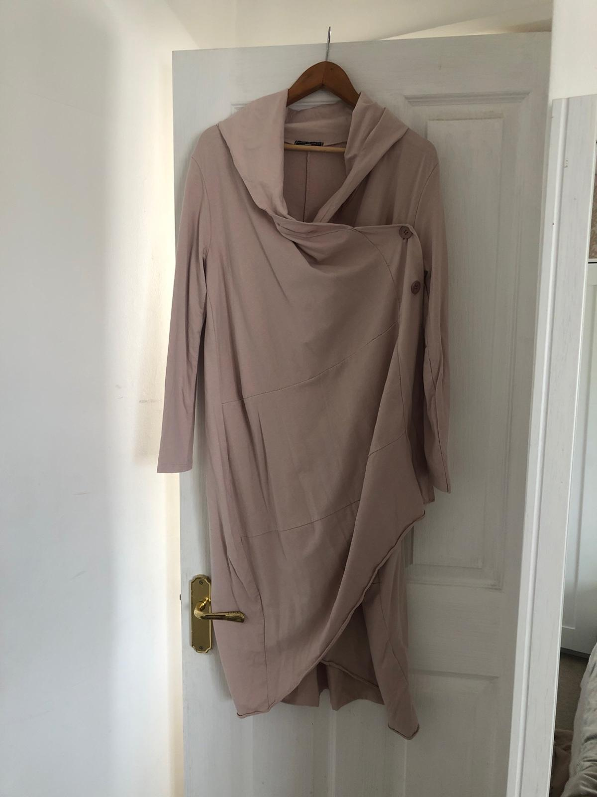 Worn twice boutique cardigan One size more medium to large
