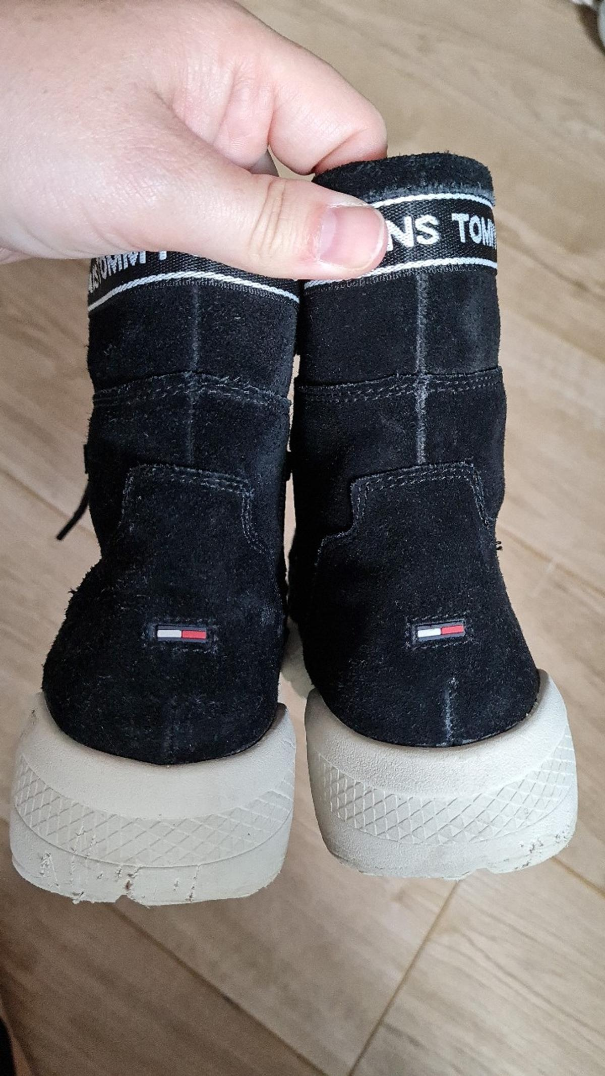 Tommy Jeans Boots Size 4. Worn a hand full of times. Really nice condition and so comfortable and warm.